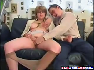 Bus Vêtue Handjob MILF Collants