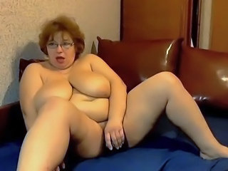Amateur BBW Big Tits Glasses Masturbating Mature