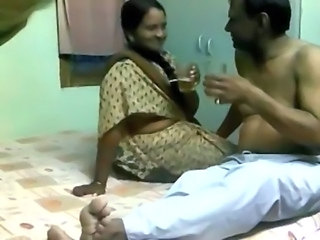 Indian Pune boss fucks his mature maid