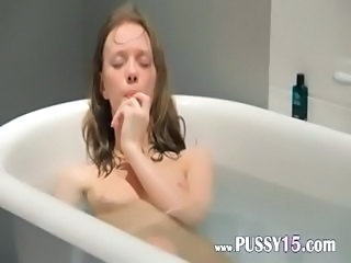 18yo slim girl fingering in a bath