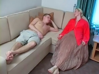 Amateur Blonde MILF Mom Old and Young Russian