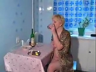 Amateur Drunk Homemade Kitchen Mature Mom Russian