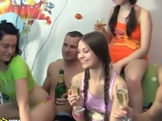 Amateur Drunk Groupsex Party Student