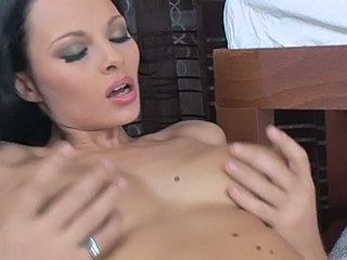 Brunette Massage Orgasme Ados