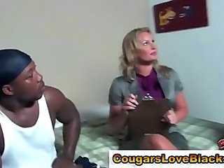 Amateur Interracial MILF Pornstar