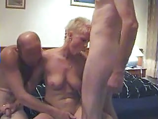 Amateur Blowjob Mature MILF Threesome