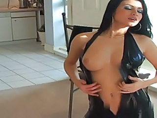 Babe Latex Strip-teaseuse