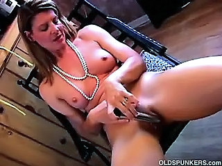 Amateur Dildo Masturbating Mature Toy