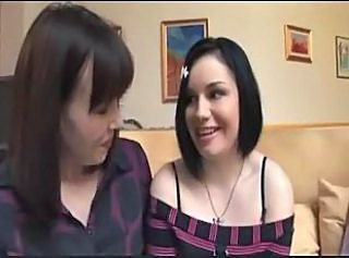 mother shows daughter the ropes