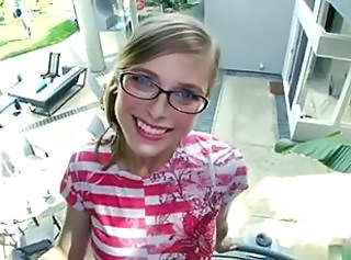 Blondine Süss Brille Teen