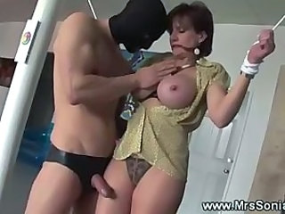 Cuckolds wife gets tied up