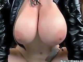 http%3A%2F%2Fwww.tubewolf.com%2Fmovies%2Fbusty-hottie-in-leather-jacket-screwed%3Fpromoid%3DAlexZ