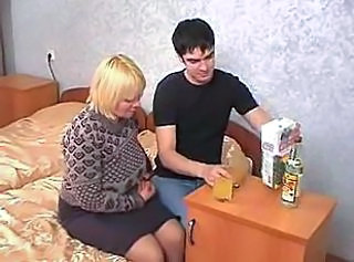 Blonde Bus Chubby Drunk Homemade Mom Old and Young Russian