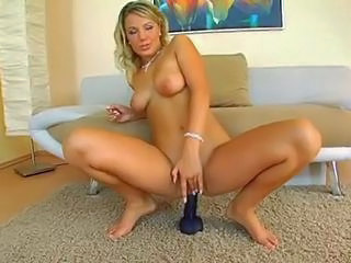 Bus Dildo MILF Webcam
