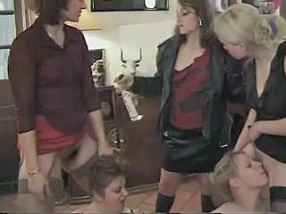 Clothed Groupsex Lesbian Licking MILF