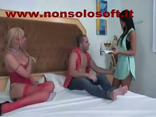 Transsexual menage a trois222