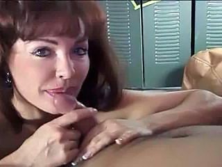 Blowjob Mom Small cock