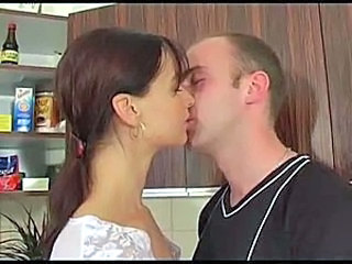 Amateur Hairy Kissing Teen