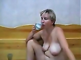 Amateur Chubby Mature Natural SaggyTits