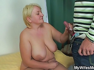 BBW Big cock Big Tits Handjob Mature Natural SaggyTits