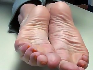 cum on mommys feet