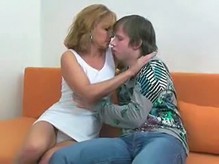 Amateur Mature Mom Old and Young
