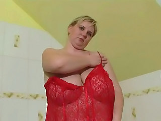 BBW Big Tits Bus Lingerie MILF Natural SaggyTits Stripper