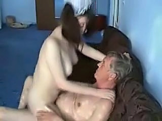 Amateur Daddy Daughter Homemade Old and Young Riding