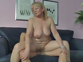 Chubby Mature Riding SaggyTits