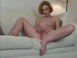 Babe Cute Pussy Solo