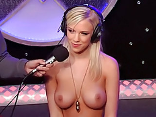 Babe Blonde Cute Machine