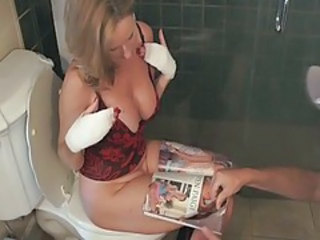 MILF Mom Toilet