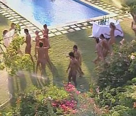 Nudisti Party Piscina