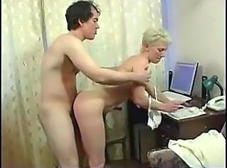 Amateur Blonde Doggystyle Mature Mom Old and Young
