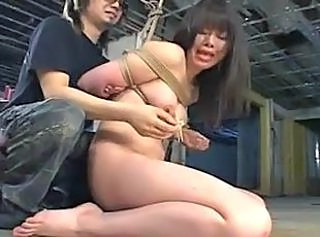 Extreme hand insertions for Asian girl