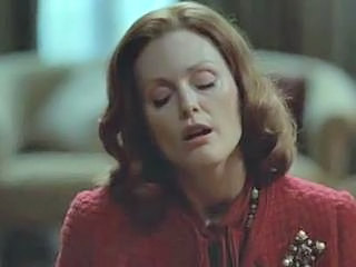 Julianne Moore giving a handjob