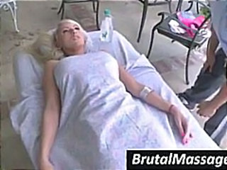 Babe Blonde Massage Ados