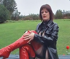 Amateur Latex MILF Outdoor