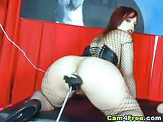 Fishnet Machine MILF Webcam
