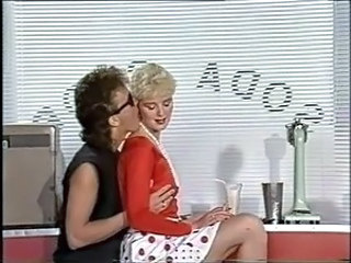 Kissing MILF Office Vintage