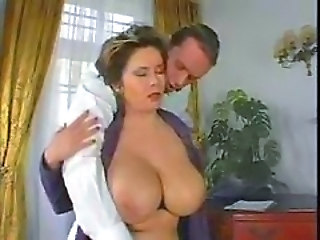 Big Tits Bus Mature Vintage
