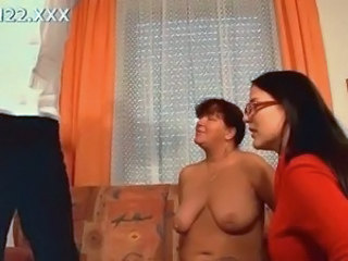 Mature SaggyTits Threesome