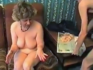 Amateur Homemade Mature Mom Old and Young SaggyTits