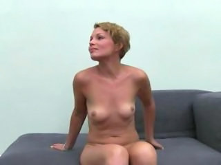 Babe Strapon Strip-teaseuse Ados