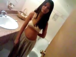 Amateur Arab Bathroom Girlfriend Homemade