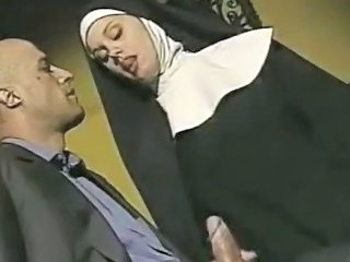 Handjob MILF Nun Uniform Vintage