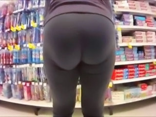 PAWGS At The Store