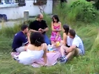 Family Groupsex Old and Young Orgy Outdoor Teen