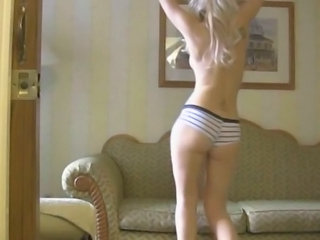 Blonde Teen Chick Goes Wild On Cam