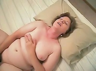 Amateur Chubby Masturbating Mature